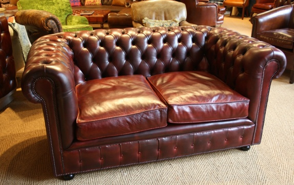 Oxblood 2-Seater Leather Chesterfield
