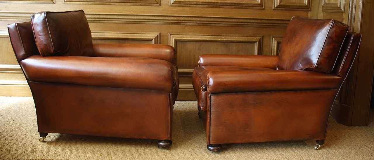 ... Pair Of Antique Leather Club Chairs ...