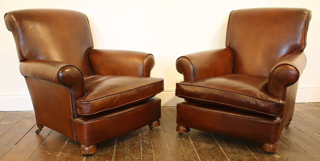... Pair Of Traditional Leather Club Chairs ...