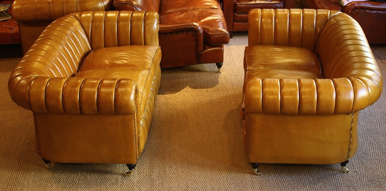 Leather chairs of bath fluted leather traditional for Traditional leather sofas furniture