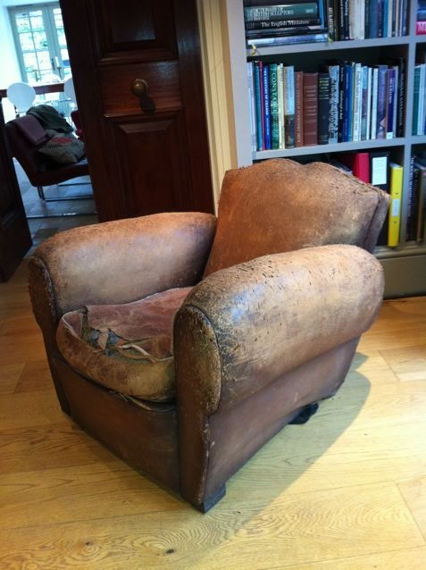 Charmant Leather French Cigar Arm Moustache Chair ...