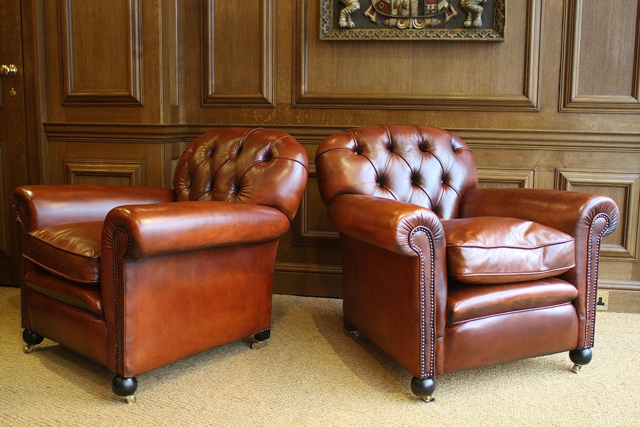 Antique leather armchair - Buttoned Back Antique Pair Of Leather Club Chairs