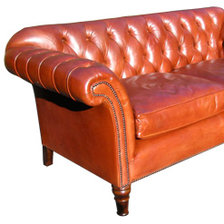 Buttoned Two and a half Seater Ibsen Sofa in Leather